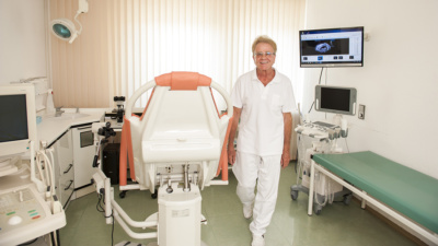 Frauenarzt Weilheim - Schmederer - Praxis - Behandlungszimmer